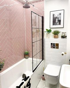 Pink Small Bathrooms, Pink Bathroom Tiles, Pink Tiles, Dream Bathrooms, Small Bathroom Bathtub, Pink Bathrooms Designs, Girl Bathrooms, Bathroom Styling, Bathroom Interior Design