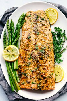 Salmon recipes 305189312250825175 - Honey Garlic Dijon Broiled Salmon seasoned with herbs and b that comes together in just 15 minutes and literally has the best flavor ever! The best salmon of my life! Dijon Salmon, Lemon Pepper Salmon, Lemon Garlic Salmon, Salmon And Asparagus, Honey Salmon, Salmon Recipe Pan, Baked Salmon Recipes, Summer Corn Salad, Salads