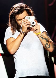 one direction photography Harry Styles Long Hair, Harry Styles Pictures, One Direction Pictures, Harry Styles Eyes, Harry Styles 2015, Harry Styles Cute, Foto One, Louis Y Harry, Bae