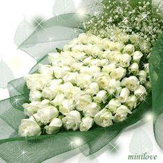 плейкаст букет из белых роз
