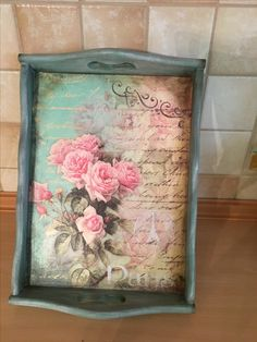 Tray with vintage roses decoupage Decoupage On Canvas, Decoupage Wood, Decoupage Tutorial, Decoupage Furniture, Decoupage Vintage, Handmade Crafts, Diy And Crafts, Shabby Chic Wall Decor, Painted Trays