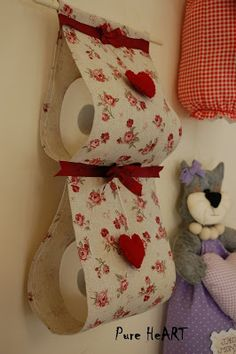 Pure HeART di Francesca Pugliese: Porta rotoli di carta igienica