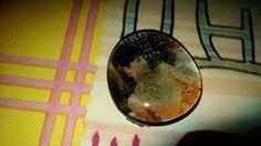 Broche de gema con imagen de Audrey Hepburn.