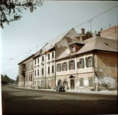 Bratislava, Street View, Mansions, House Styles, Photography, Home Decor, Times, Retro, Fotografia