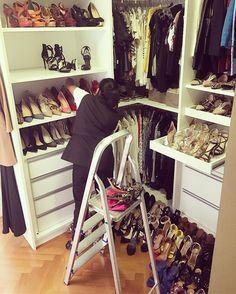Dia de manutenção dos closets aqui de casa! Amo quando as meninas da @governess2014 vem! Fica tudo impecável! Elas organizam os armários e a nossa vida!
