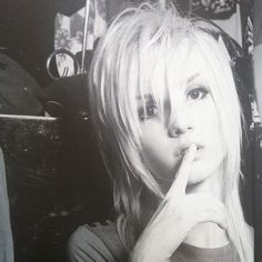 YOHIO, a 16-year-old boy from Sweden who is now the lead guitarist and songwriter of the visual kei band Seremedy.