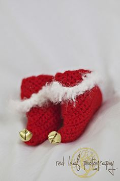 Free Crochet Pattern For Baby Elf Slippers : 1000+ images about Winter Holidays Pattern Inspiration on ...