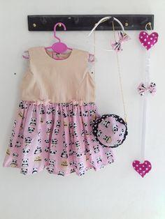 Vestido Panda infantil com laços, bolsa, tiara e presilha. Feito a mão vestido infantil vestido de princesa vestido rosa mãe de menina menina estilosa
