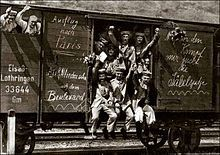 German troops on train 1914 German soldiers in a train carriage on their way to the front early in World War I Messages scrawled on the side of the car include 'Trip to Paris' and 'See you on the boulevard'. History Online, World History, Ww1 History, World War One, First World, Ww1 Battles, Best Wagons, History Of Germany, German Army