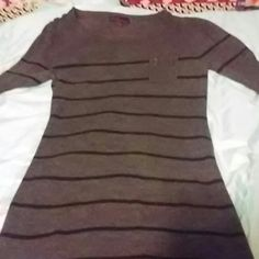 Cute light weight grey and black sweater Black with grey sweater long supper soft light weight takeout Sweaters
