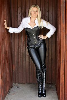 Women in Leather, Latex, and Corsets Leather Corset, Leather Pants, Sexy Outfits, Fashion Outfits, Leder Outfits, Dress Attire, Gorgeous Blonde, Sexy Boots, Leggings Fashion
