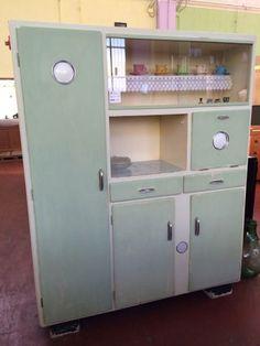 Credenza originale anni 50 completamente restaurata - Cucine anni 50 ...