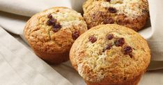 Looking for a French breakfast muffins recipe? Get great family cooking recipes for kids and adults. Recipes for French breakfast muffins are great to make with the whole family. Muffin Tin Recipes, Cupcake Recipes, Baby Food Recipes, Sweet Recipes, Baking Recipes, Yummy Recipes, Chicken Recipes, Healthy Banana Muffins, Lemon Blueberry Muffins
