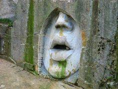 Paragliding, Stonehenge, Places To See, Garden Sculpture, Travel Tips, Statue, Explore, Artwork, Czech Republic