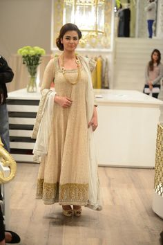 Aaina - Bridal Beauty and Style: Designer Bride: Runway Inspiration - Nida Azwer Presents The Hyderabadi Collection Pakistani Formal Dresses, Pakistani Outfits, Indian Dresses, Indian Outfits, Nida Azwer, Formal Wear Women, Lehenga, Sarees, Anarkali