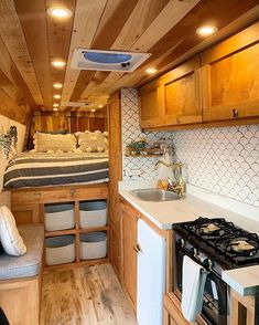 Connecting Sprinter Van People on This sure feels like home! Love all of the storage and warm touches in this Sprinter Van conversion belonging to lightravelers. Show Interior Trailer, Van Interior, Interior Design, Bathroom Interior, Sprinter Van Conversion, Ford Transit Conversion, Van Conversion Interior, Camper Van Conversion Diy, Van Conversion Kitchen