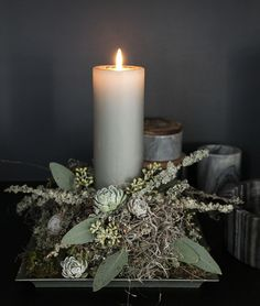 Den lette løsning - Holidays and events diy ideer Christmas Flowers, Christmas Candles, Christmas Love, Christmas Wreaths, Christmas Crafts, Holiday Tree, Holiday Decor, Woodland Christmas, Deco Floral