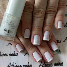 """1,685 curtidas, 12 comentários - Unhas & Vidrinhos (@unhasevidrinhos) no Instagram: """"Francesinha perfeita! @adriana_manicure1 . . . . . . #unhasevidrinhos #unhas #nailart…"""""""