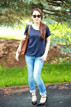 Pointed Black Heels with Simple Tee and Jeans