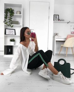 "20.5 k likerklikk, 164 kommentarer – Alicia Roddy (@lissyroddyy) på Instagram: ""Can we restart Monday? Because I have just got mine off to the worst start ‍♀️ Loving green…"""