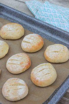 Pata porisee: Maitorahkan parasta ennen -päivä meni jo, mitä sitten? No Salt Recipes, Other Recipes, Low Carb Recipes, Baking Recipes, Bread Recipes, Savoury Baking, Bread Baking, Just Eat It, No Bake Cake