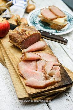 Smoked pork chop - more tips on smoking pork Smoked Pork Chops, Romanian Food, Food Hacks, Food Tips, Smoking Meat, My Recipes, Steak, Bacon, Good Food