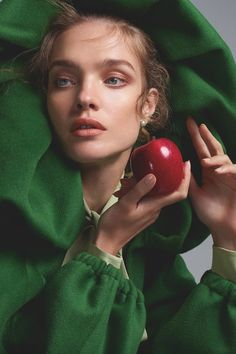 Natalia Vodianova Wears Elegant Ensembles in Vogue India Vogue Photography, Beauty Photography, Creative Photography, Editorial Photography, Portrait Photography, Lifestyle Photography, Natalia Vodianova, Grenade Fruit, Women Artist