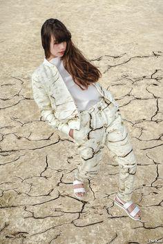BLENDSCAPES Clay Suit  Fashion Design: Elsien Gringhuis Photography: Tse Kao Model: Kelly Noa Estelle Concept: Elsien Gringhuis & Tse Kao