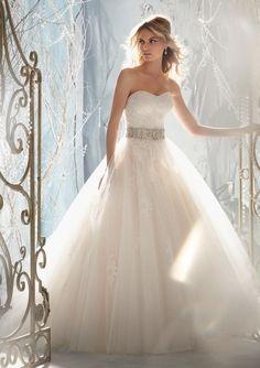 Ball Gown Chiffon Sweetheart Natural Waist Floor-Length Button Back Sleeveless Beading Bowknot Embroidery Wedding Dress - Dress2015.com