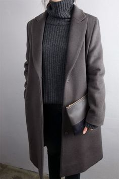 Fall trends | Grey turtle neck sweater, coat and a matching clutch