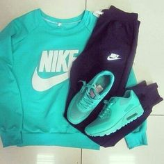 Turquoise Nike workout outfit perfect for a fitness bikini photo shoot Cute Gym Outfits, Sporty Outfits, Nike Outfits, Athletic Outfits, Athletic Wear, Lazy Outfits, Fitness Bikini, Nike Fitness, Bikini Workout