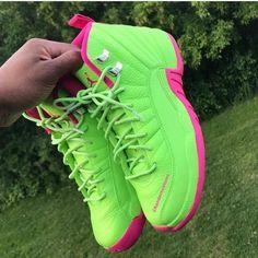 Sneakers – High Fashion For Men Cute Jordans, Jordans Girls, Air Jordans, Green Jordans, Retro Jordans, Zapatillas Nike Basketball, Zapatillas Jordan Retro, Cute Sneakers, Sneakers Mode