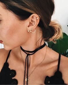 ear piercings ideas for teens Piercing Implant, Piercing Tattoo, Ear Piercings, Lobe, Mode Inspiration, Mode Style, Bling Bling, Women's Accessories, Jewelery