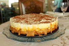Este bolo é muitooo bom!!!! :))) Ingredientes: 1 pacote de natas 4 colheres de açúcar ½ pacote de bolacha maria 4 colheres de ...