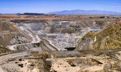 http://thinkprogress.org/climate/2014/08/18/3472343/mexican-mining-spill-border-88-schools/ Open pit copper mine near Tucson, Arizona.