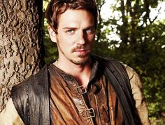 Robin Hood - Allan A Dale, played by Joe Armstrong Robin Hood Bbc, Robin Hoods, Joe Armstrong, Wattpad, Fantasy Male, Story Characters, Male Photography, Gorgeous Men, Beautiful People