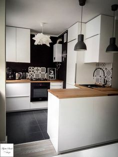 best small kitchen ideas and designs for 2019 00007 Home Interior, Kitchen Interior, Kitchen Decor, Kitchen Design, Kitchen Ideas, Interior Design, Small Kitchen Layouts, Kitchen Photos, Kitchen Flooring