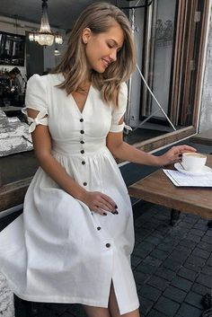 White Button Down Dress Lovely classic white dress. Elegant Dresses Classy, Elegant Dresses For Women, Elegant Wedding Dress, Classy Dress, Classy Outfits, Elegant Outfit, Classic Dresses, Elegant Styles, Ladies Outfits