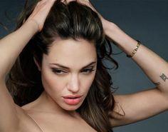 Conheça todos os filmes de Angelina Jolie