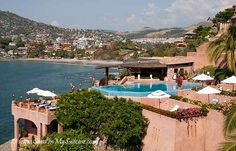 Zihuatanejo beaches - La Casa Que Canta