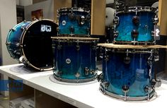 ROYAL-TO-TRANS-ELECTRIC-BLUE-TO-PALE-REGAL-OVER-OLIVE-ASH-BURL dw drums