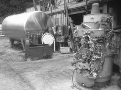 Stainless steel yoghurt tank might be useful for brewing beer! ;) To the right are some rolls royce jet engines that made there way here!