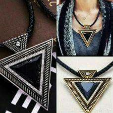 Puedes conseguir este collar en: latiendita.shop Louis Vuitton Twist, Shoulder Bag, My Favorite Things, Bags, Accessories, Shoes, Fashion, Necklaces, Handbags