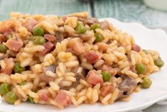 Risotto with Mushrooms / Peas and Ham WW Risotto Rice, Mushroom Risotto, Chicken Ham, Stuffed Mushrooms, Stuffed Peppers, Vegetable Drinks, Healthy Eating Tips, Light Recipes, Pasta Salad