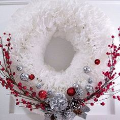 5 Ways to Decorate for Christmas with Coffee Filters + More Green Craft Ideas from @AllFreeChristmasCrafts