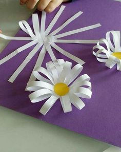 Spring crafts preschool creative art ideas 23 Spring crafts preschool c… - diy kids crafts Kids Crafts, Spring Crafts For Kids, Summer Crafts, Projects For Kids, Diy And Crafts, Craft Projects, Spring Craft Preschool, Preschool Ideas, Flower Craft Preschool