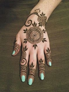 lovely gorgeous mehendi design, henna for hands......different! Basic with a hint of Arabic influence