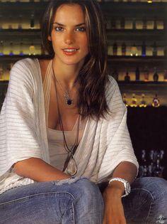 Alessandra Ambrosio Alessandra Ambrosio, Sports Illustrated Models, Brazilian Models, Victoria Secret Angels, Victorias Secret Models, Brunette Beauty, Irina Shayk, Girl Next Door, Sport Girl