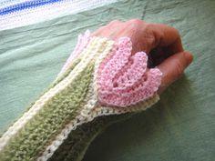 Håndledsvarmere med tulipaner + mønster.