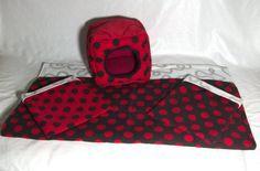 This set comes as 4 pieces, 2 snuggle sacks, a snuggle cube and an absorbent cage liner.  The snuggle sacks have a cute polka-dot pattern. They are made with fleece on the inside for comfort and a durable cotton outside. This snuggle cube comes in a polka-dot pattern and makes for warm and cozy sleeping for your little one! With a cotton exterior and soft fleece on the inside, your small pet will feel safe and right at home!  The cage liner is made from patterned fleece on one side…